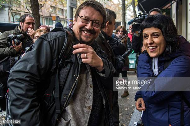 Anna Gabriel and Xavier Domenech supporting the pro independence activists who are questioned in the Spanish National Court for the burning of images...