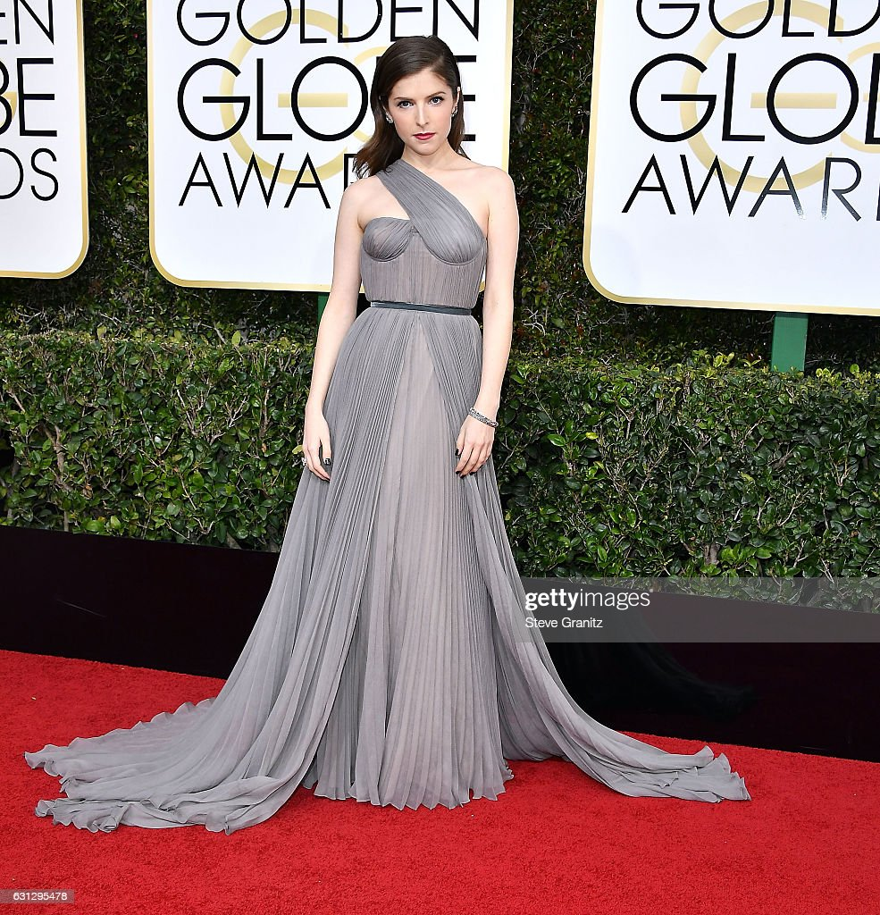 anna-kendrick-arrives-at-the-74th-annual-golden-globe-awards-at-the-picture-id631295478