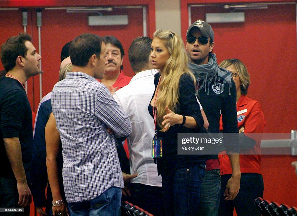 <a gi-track='captionPersonalityLinkClicked' href=/galleries/search?phrase=Anna+Kournikova&family=editorial&specificpeople=176472 ng-click='$event.stopPropagation()'>Anna Kournikova</a> and boyfriend <a gi-track='captionPersonalityLinkClicked' href=/galleries/search?phrase=Enrique+Iglesias+-+Singer&family=editorial&specificpeople=202672 ng-click='$event.stopPropagation()'>Enrique Iglesias</a> hanging with family before <a gi-track='captionPersonalityLinkClicked' href=/galleries/search?phrase=Enrique+Iglesias+-+Singer&family=editorial&specificpeople=202672 ng-click='$event.stopPropagation()'>Enrique Iglesias</a> Euphoria concert at Hard Rock Live! in the Seminole Hard Rock Hotel & Casino on February 10, 2011 in Hollywood, Florida.