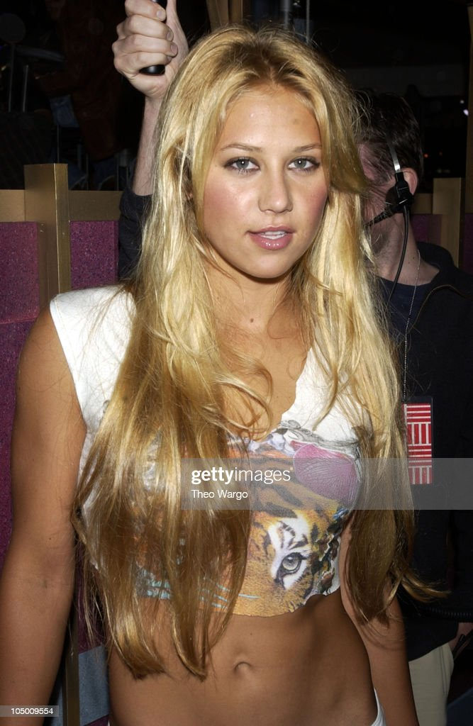 Anna Kournikova during 2002 MTV Video Music Awards - Arrivals at Radio City Music Hall in New York City, New York, United States.