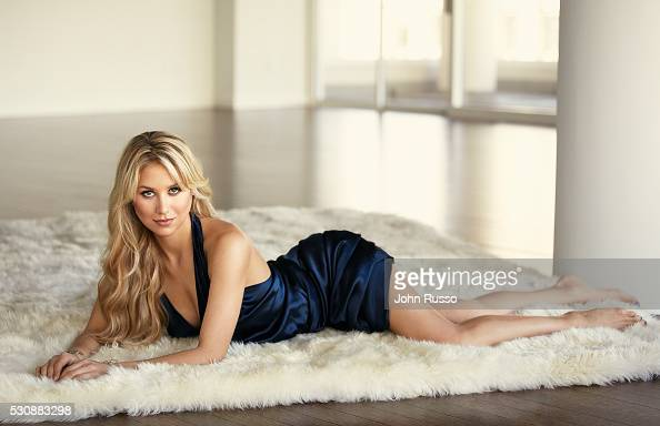 36 Scandalous Dresses Made People Lose as well Anna Kournikova likewise Index additionally Wedding Band Lookbook moreover Victorias Secret Fashion Show 2016 Backstage. on anna kournikova and enrique in paris