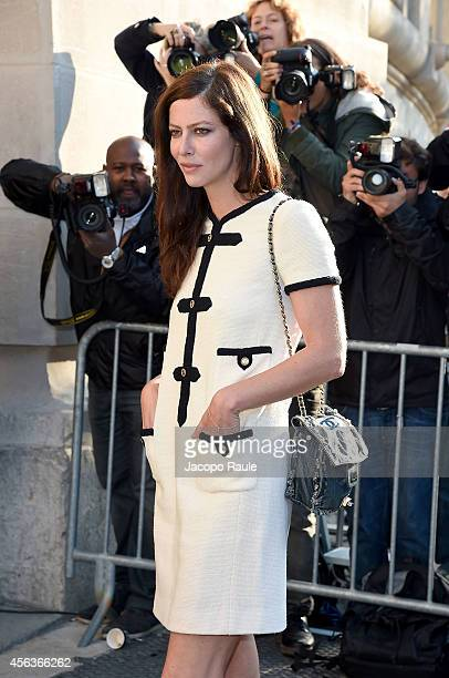 Anna Mouglalis arrives at the Chanel show during Paris Fashion Week Womenswear SS 2015 on September 30 2014 in Paris France