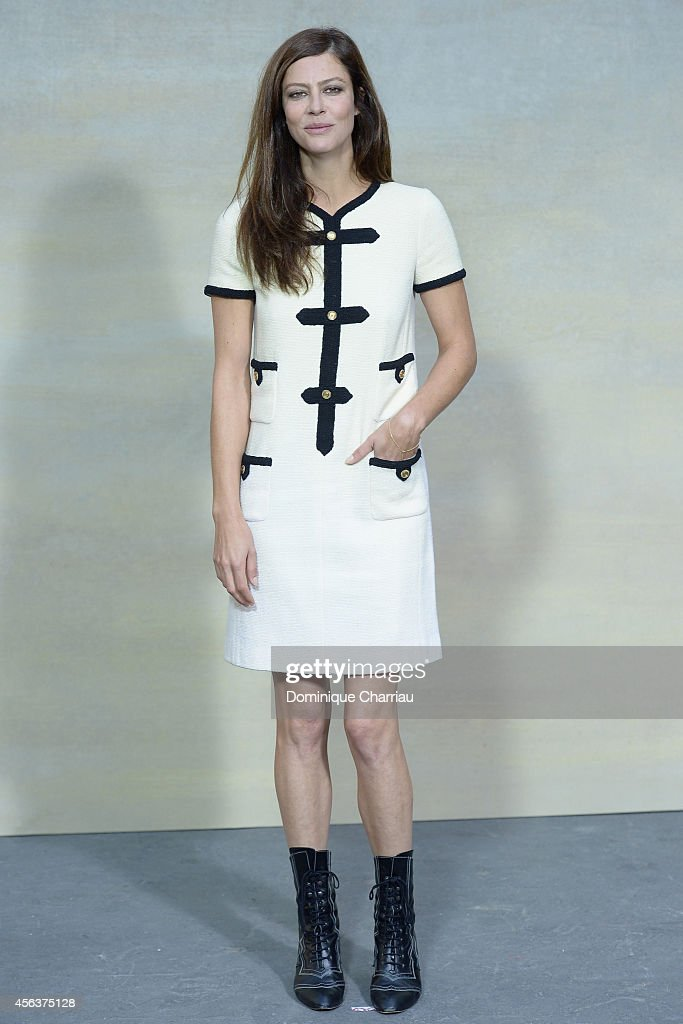 <a gi-track='captionPersonalityLinkClicked' href=/galleries/search?phrase=Anna+Mouglalis&family=editorial&specificpeople=611934 ng-click='$event.stopPropagation()'>Anna Mouglalis</a> attends the Chanel show as part of the Paris Fashion Week Womenswear Spring/Summer 2015 on September 30, 2014 in Paris, France.