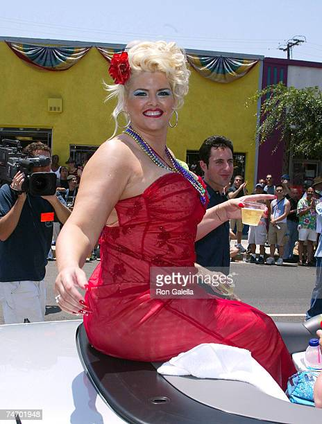 Anna Nicole Smith at the Santa Monica Blvd in West Hollywood California