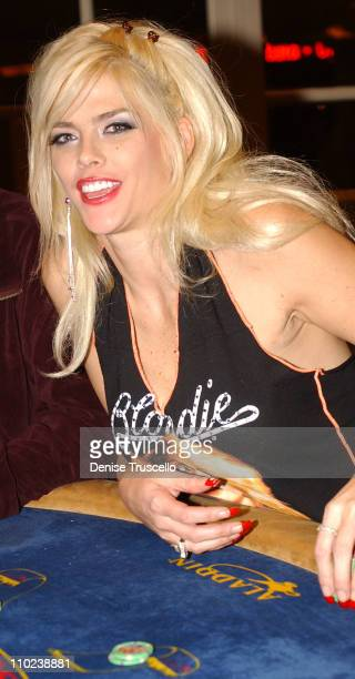 Anna Nicole Smith during Anna Nicole Smith Plays Blackjack at The Aladdin Resort and Casino in Las Vegas January 1 2005 at The Aladdin Resort and...