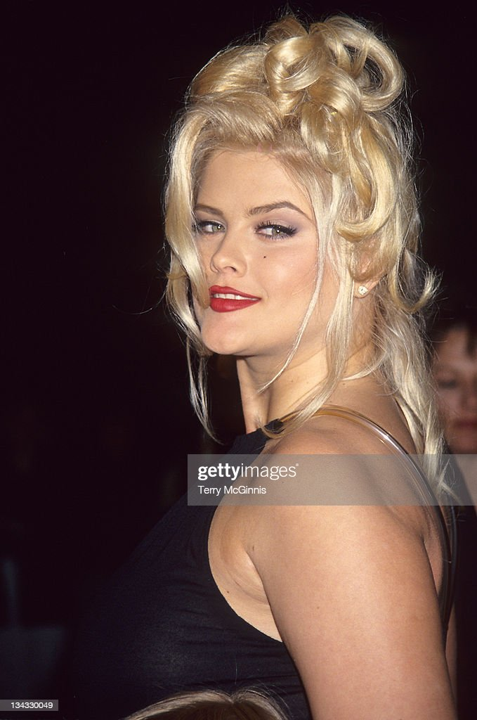 15 Hot Photos Of Anna Nicole Smith In