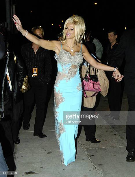 Anna Nicole Smith during VH1 Big in '04 Red Carpet at Shrine Auditorium in Los Angeles California United States