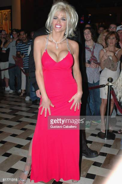 Anna Nicole Smith makes an appearance at The Seminole Hard Rock Hotel and Casino to meet and great fans on November 20 2004 in Hollywood Florida