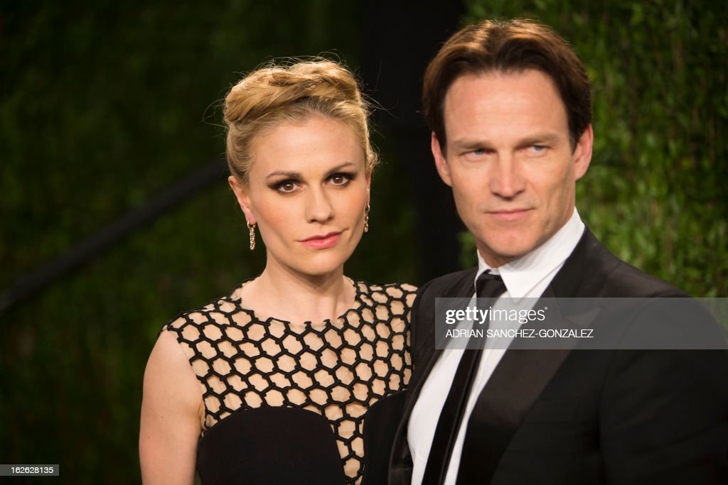 Anna Paquin and Stephen Moyer arrive for the 2013 Vanity Fair Oscar Party on February 24, 2013 in Hollywood, California. AFP PHOTO / ADRIAN SANCHEZ-GONZALEZ