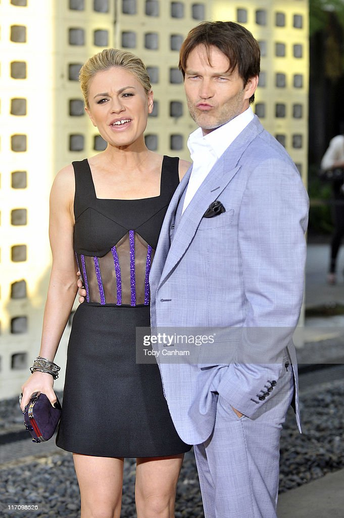 Anna Paquin and Stephen Moyer arrive for the premiere of HBO's 'True Blood' held at the Arclight Cinerama Dome on June 21, 2011 in Los Angeles, California.