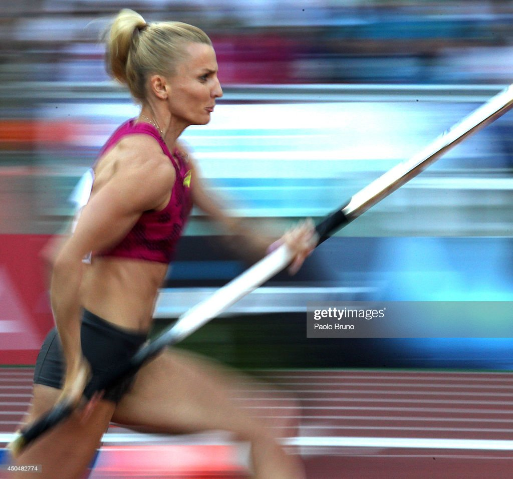 <a gi-track='captionPersonalityLinkClicked' href=/galleries/search?phrase=Anna+Rogowska&family=editorial&specificpeople=790729 ng-click='$event.stopPropagation()'>Anna Rogowska</a> of Poland competes in the women's pole vault at the IAAF Golden Gala at Stadio Olimpico on June 5, 2014 in Rome, Italy.