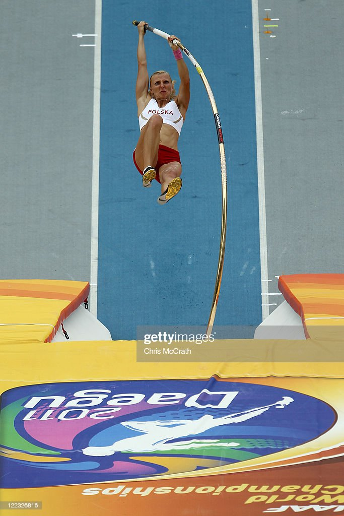 <a gi-track='captionPersonalityLinkClicked' href=/galleries/search?phrase=Anna+Rogowska&family=editorial&specificpeople=790729 ng-click='$event.stopPropagation()'>Anna Rogowska</a> of Poland competes in the women's pole vault qualification round during day two of the 13th IAAF World Athletics Championships at the Daegu Stadium on August 28, 2011 in Daegu, South Korea.
