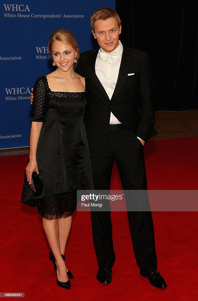 Anna Sophia Robb(L) and Journalist Ronan Farrow attend the 100th Annual White House Correspondents' Association Dinner at the Washington Hilton on May 3, 2014 in Washington, DC.