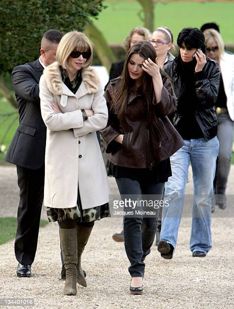 Anna Wintour and daughter Bee Shaffer during Paris Fashion Week Haute Couture Spring/Summer 2007 Christian Dior Arrivals at Bois de Boulogne in Paris...