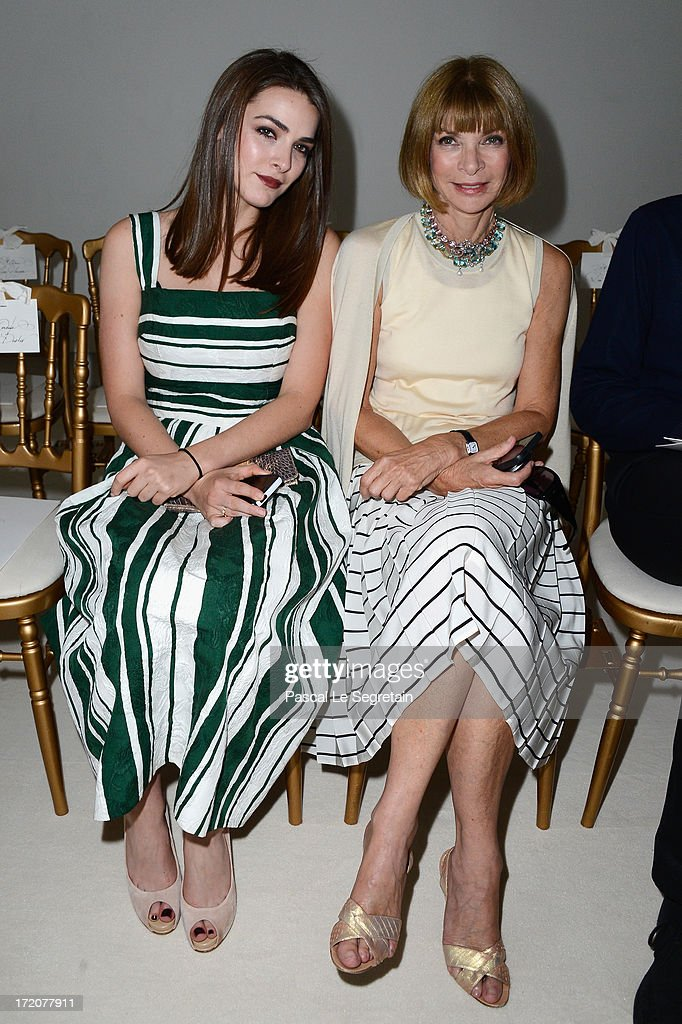<a gi-track='captionPersonalityLinkClicked' href=/galleries/search?phrase=Anna+Wintour&family=editorial&specificpeople=202210 ng-click='$event.stopPropagation()'>Anna Wintour</a> (R) and her daughter <a gi-track='captionPersonalityLinkClicked' href=/galleries/search?phrase=Bee+Shaffer&family=editorial&specificpeople=592401 ng-click='$event.stopPropagation()'>Bee Shaffer</a> (L) attend the Giambattista Valli show as part of Paris Fashion Week Haute-Couture Fall/Winter 2013-2014 at Grand Palais on July 1, 2013 in Paris, France.