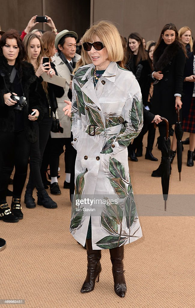 Anna Wintour arrives at Burberry Womenswear Autumn/Winter 2014 at Kensington Gardens on February 17, 2014 in London, England.