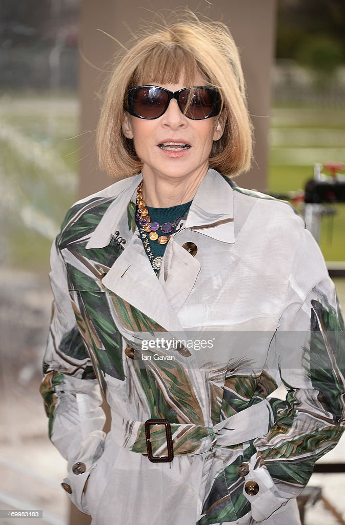 <a gi-track='captionPersonalityLinkClicked' href=/galleries/search?phrase=Anna+Wintour&family=editorial&specificpeople=202210 ng-click='$event.stopPropagation()'>Anna Wintour</a> arrives at Burberry Womenswear Autumn/Winter 2014 at Kensington Gardens on February 17, 2014 in London, England.
