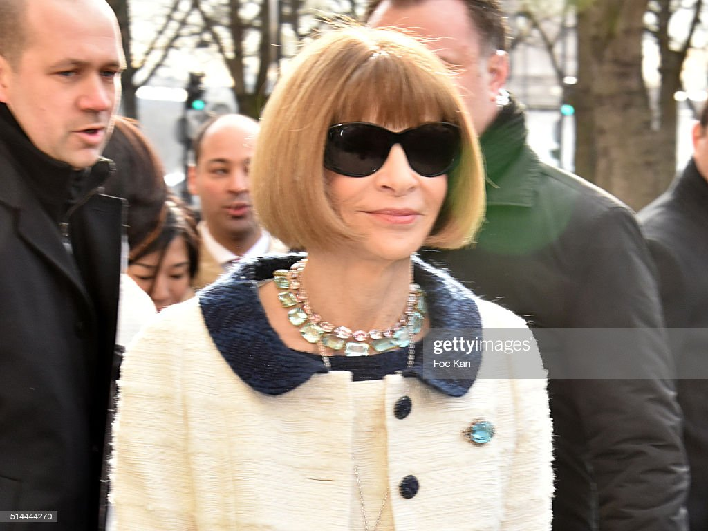 Anna Wintour arrives at the Chanel show as part of the Paris Fashion Week Womenswear Fall/Winter 2016/2017 on March 8, 2016 in Paris, France.
