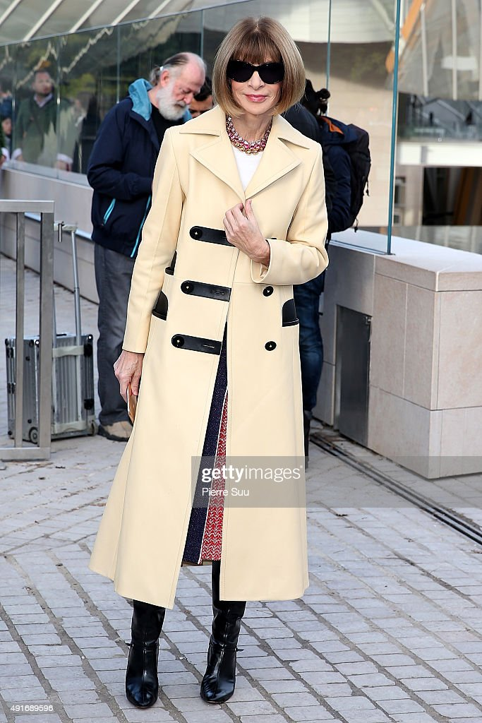<a gi-track='captionPersonalityLinkClicked' href=/galleries/search?phrase=Anna+Wintour&family=editorial&specificpeople=202210 ng-click='$event.stopPropagation()'>Anna Wintour</a> arrives at the Louis Vuitton show as part of the Paris Fashion Week Womenswear Spring/Summer 2016 on October 7, 2015 in Paris, France.