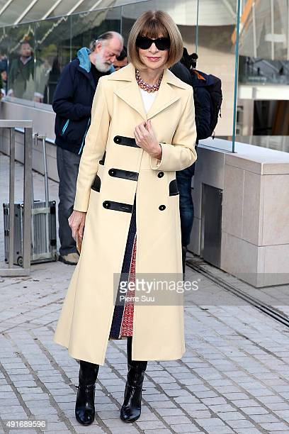 Anna Wintour arrives at the Louis Vuitton show as part of the Paris Fashion Week Womenswear Spring/Summer 2016 on October 7 2015 in Paris France