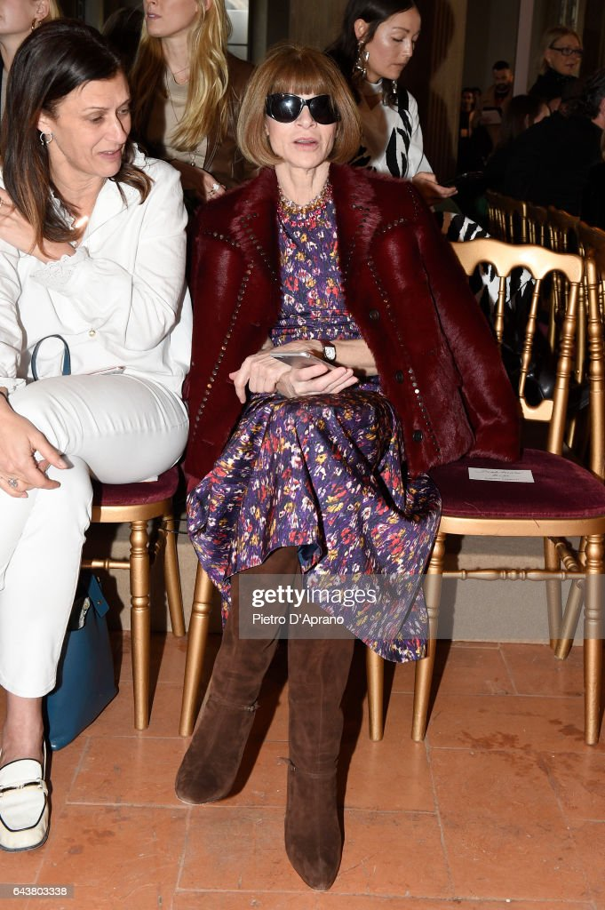 anna-wintour-attends-the-alberta-ferretti-show-during-milan-fashion-picture-id643803338