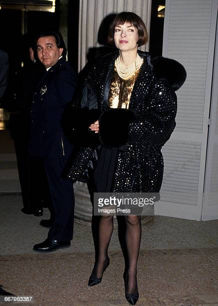 CIRCA 1989 Anna Wintour attends the Annual Costume Institute Exhibition Gala at the Metropolitan Museum of Art circa 1989 in New York City