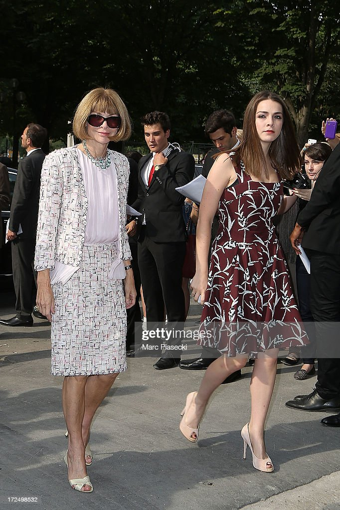 Anna Wintour (L) attends the Chanel show as part of Paris Fashion Week Haute-Couture Fall/Winter 2013-2014 at Grand Palais on July 2, 2013 in Paris, France.