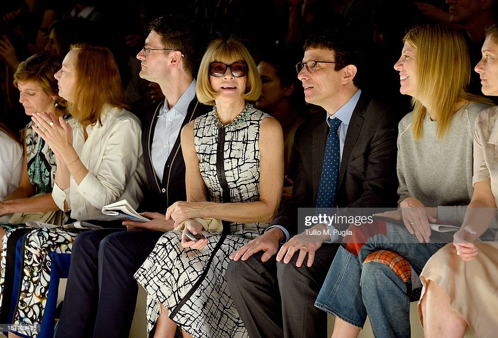 <a gi-track='captionPersonalityLinkClicked' href=/galleries/search?phrase=Anna+Wintour&family=editorial&specificpeople=202210 ng-click='$event.stopPropagation()'>Anna Wintour</a> attends the Max Mara show as a part of Milan Fashion Week Womenswear Spring/Summer 2014 on September 19, 2013 in Milan, Italy.