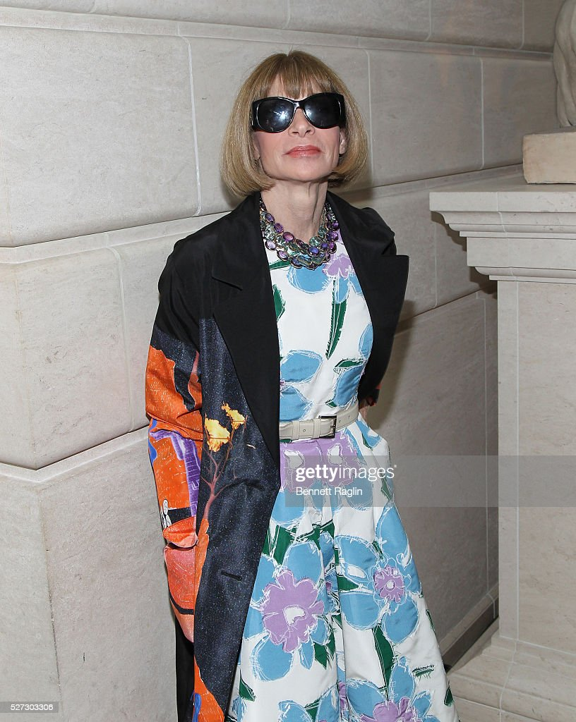 <a gi-track='captionPersonalityLinkClicked' href=/galleries/search?phrase=Anna+Wintour&family=editorial&specificpeople=202210 ng-click='$event.stopPropagation()'>Anna Wintour</a>, Editor-In-Chief of Vougue attends the 'Manus x Machina: Fashion In An Age Of Technology' - Press Preview at Metropolitan Museum of Art on May 2, 2016 in New York City.