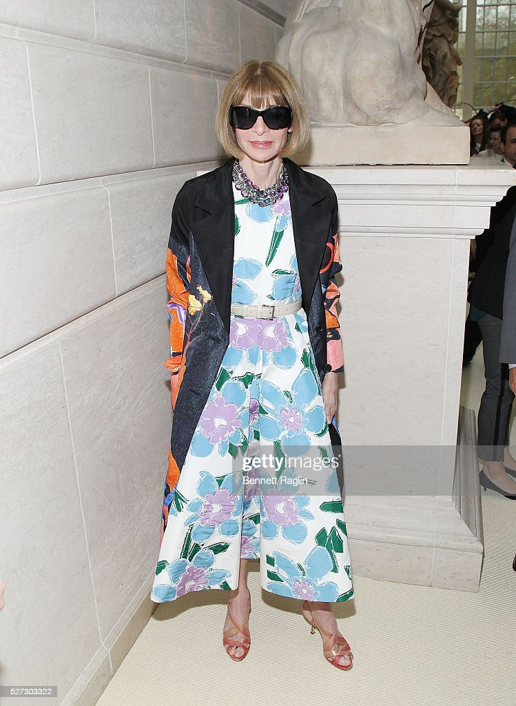 Anna Wintour, Editor-In-Chief of Vougue attends the 'Manus x Machina: Fashion In An Age Of Technology' - Press Preview at Metropolitan Museum of Art on May 2, 2016 in New York City.