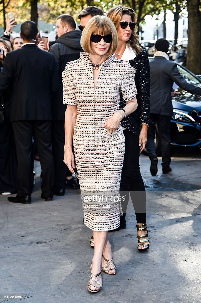 anna-wintour-is-seen-arriving-at-chanel-fashion-show-during-paris-picture-id612354850