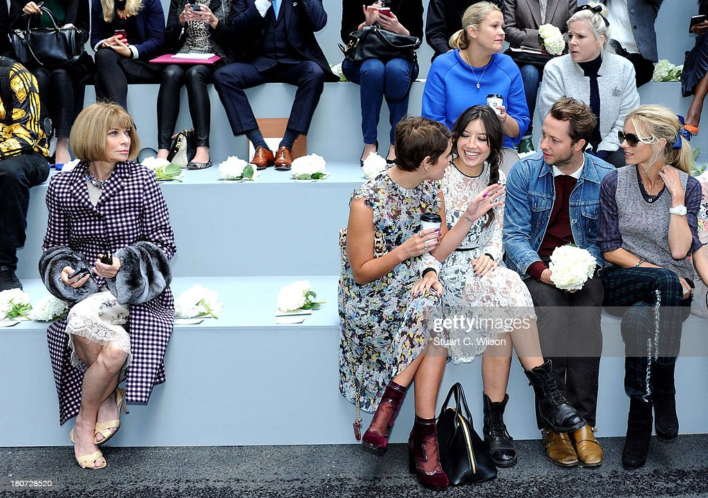 <a gi-track='captionPersonalityLinkClicked' href=/galleries/search?phrase=Anna+Wintour&family=editorial&specificpeople=202210 ng-click='$event.stopPropagation()'>Anna Wintour</a>, <a gi-track='captionPersonalityLinkClicked' href=/galleries/search?phrase=Pixie+Geldof&family=editorial&specificpeople=208703 ng-click='$event.stopPropagation()'>Pixie Geldof</a>, <a gi-track='captionPersonalityLinkClicked' href=/galleries/search?phrase=Daisy+Lowe&family=editorial&specificpeople=787647 ng-click='$event.stopPropagation()'>Daisy Lowe</a>, <a gi-track='captionPersonalityLinkClicked' href=/galleries/search?phrase=Derek+Blasberg&family=editorial&specificpeople=856710 ng-click='$event.stopPropagation()'>Derek Blasberg</a> and <a gi-track='captionPersonalityLinkClicked' href=/galleries/search?phrase=Laura+Bailey+-+Model&family=editorial&specificpeople=202040 ng-click='$event.stopPropagation()'>Laura Bailey</a> attend the Erdem show during London Fashion Week SS14 at on September 16, 2013 in London, England.