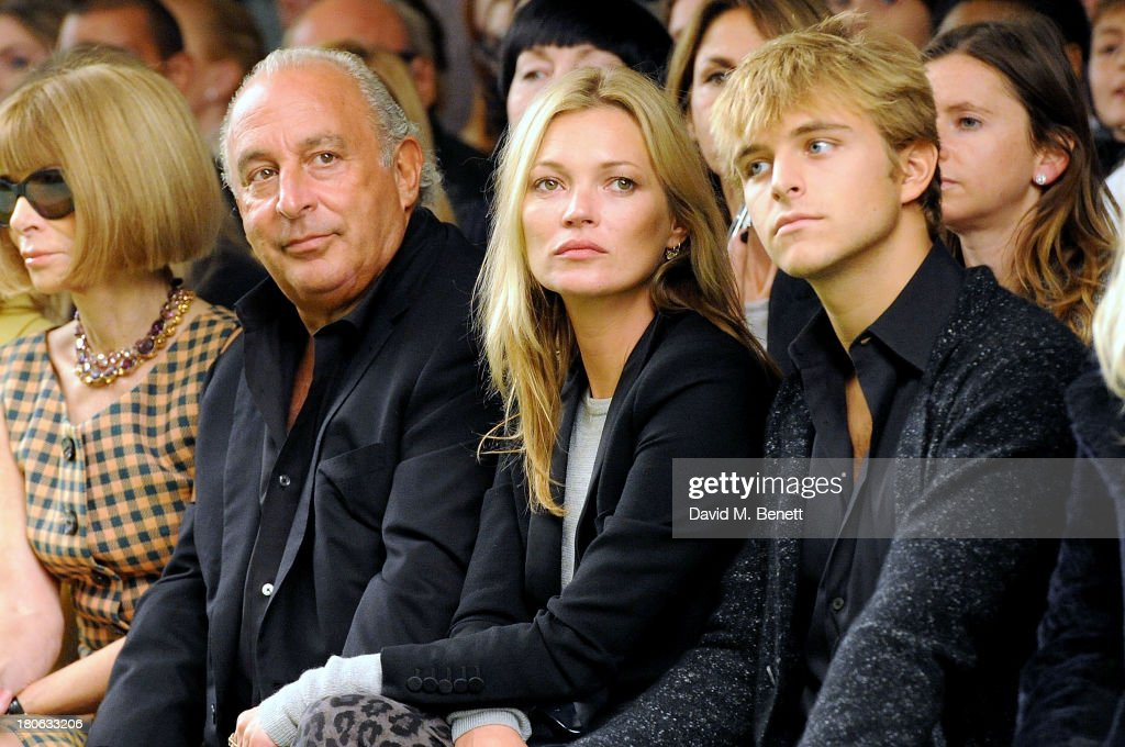 <a gi-track='captionPersonalityLinkClicked' href=/galleries/search?phrase=Anna+Wintour&family=editorial&specificpeople=202210 ng-click='$event.stopPropagation()'>Anna Wintour</a>, Sir Phillip Green, <a gi-track='captionPersonalityLinkClicked' href=/galleries/search?phrase=Kate+Moss&family=editorial&specificpeople=201830 ng-click='$event.stopPropagation()'>Kate Moss</a> and <a gi-track='captionPersonalityLinkClicked' href=/galleries/search?phrase=Brandon+Green+-+Socialite&family=editorial&specificpeople=15252528 ng-click='$event.stopPropagation()'>Brandon Green</a> attend the Unique SS14 runway show during London Fashion Week on September 15, 2013 in London, England.