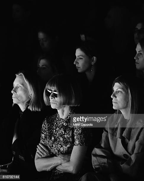 Anna Wintour sits front row at Vera Wang 2016 during New York Fashion Week The Shows at Skylight at Moynihan Station on February 16 2016 in New York...
