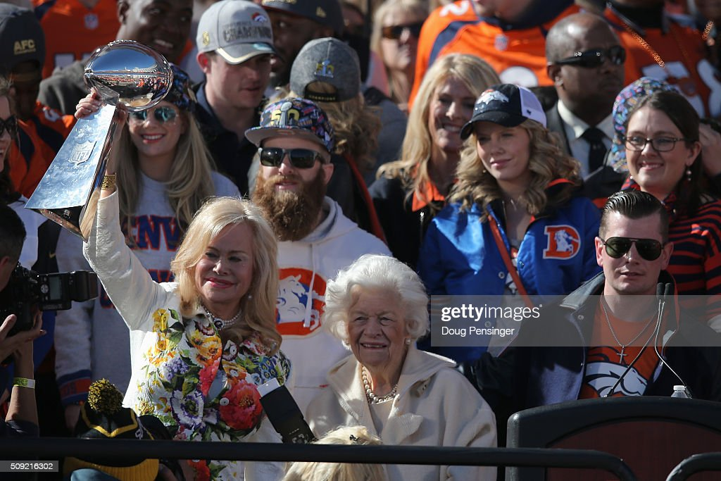 <a gi-track='captionPersonalityLinkClicked' href=/galleries/search?phrase=Annabel+Bowlen&family=editorial&specificpeople=15059471 ng-click='$event.stopPropagation()'>Annabel Bowlen</a>, wife of Pat Bowlen owner and CEO of the Denver Broncos, hoists the Lombardi Trophy along with her mother Joan Spencer and son John Bowlen as the Super Bowl 50 Champion Denver Broncos are honored at a rally on the steps of the Denver City and County Building on February 9, 2016 in Denver, Colorado. The Broncos defeated the Carolina Panthers 24-10 in Super Bowl 50.