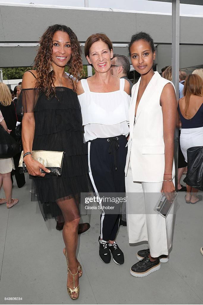 Annabelle Mandeng Minx Fashion Designer Eva Lutz and Sara Nuru arrive to the 'Designer for Tomorrow' show during the MercedesBenz Fashion Week Berlin...
