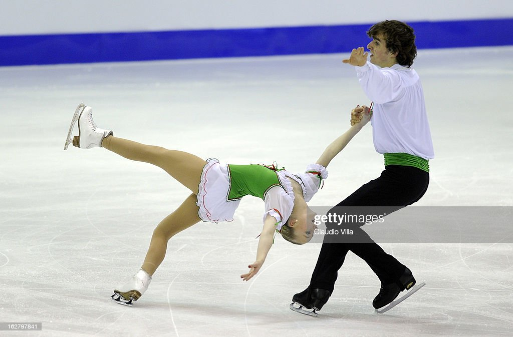 Annabelle Prolss and Ruben Blommaert of Germany skate in the Pairs Short Program during day 3 of the ISU World Junior Figure Skating Championships at Agora Arena on February 27, 2013 in Milan, Italy.