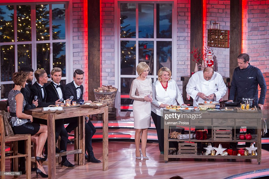 Anna-Maria Zimmermann (L-R, Feuerherz, Carmen Nebel and chefs Lea Linster, Alfons Schuhbeck and Alexander Herrmann attend the 'Heiligabend mit Carmen Nebel' TV show at Bavaria Filmstudios on November 26, 2015 in Munich, Germany.