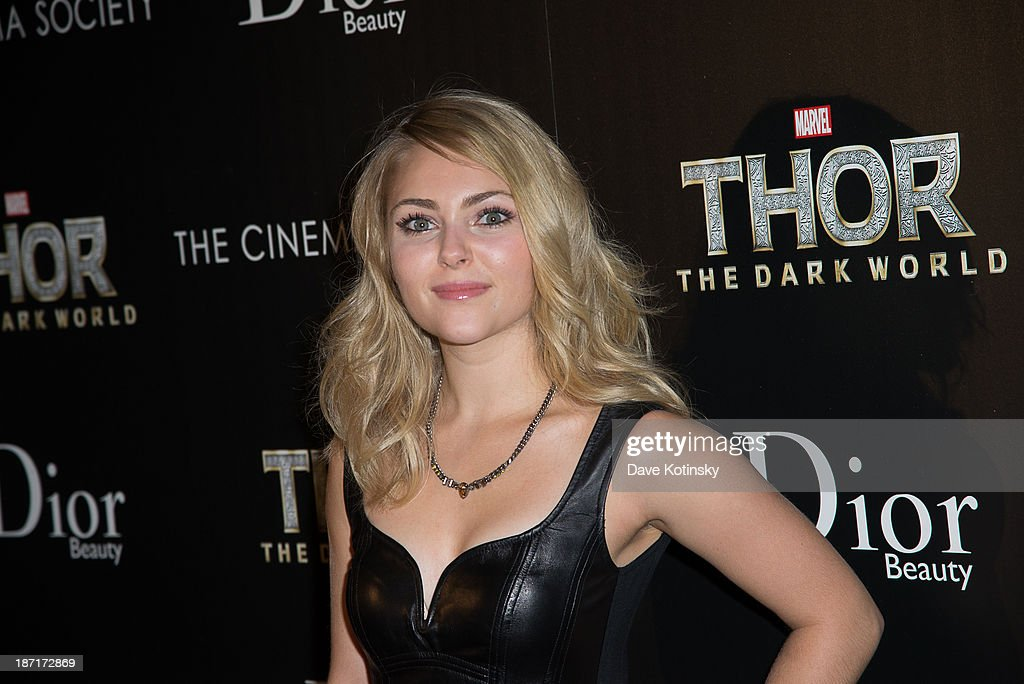 <a gi-track='captionPersonalityLinkClicked' href=/galleries/search?phrase=AnnaSophia+Robb&family=editorial&specificpeople=674007 ng-click='$event.stopPropagation()'>AnnaSophia Robb</a> attends a screening of 'Thor: The Dark World' hosted by The Cinema Society And Dior Beauty at 79 Crosby Street on November 6, 2013 in New York City.