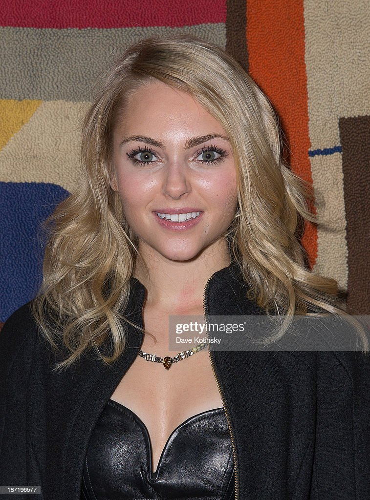 <a gi-track='captionPersonalityLinkClicked' href=/galleries/search?phrase=AnnaSophia+Robb&family=editorial&specificpeople=674007 ng-click='$event.stopPropagation()'>AnnaSophia Robb</a> attends the after party for the screening of 'Thor: The Dark World' hosted by The Cinema Society and Dior Beauty at The Marlton on November 6, 2013 in New York City.