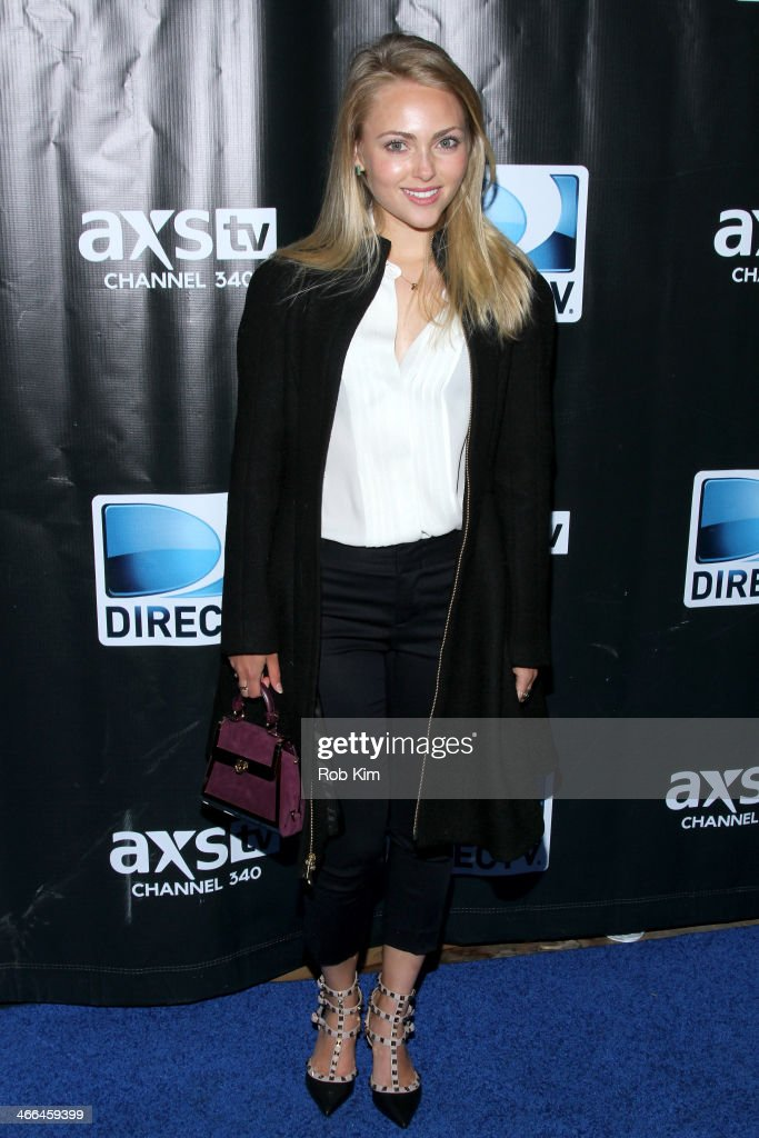 <a gi-track='captionPersonalityLinkClicked' href=/galleries/search?phrase=AnnaSophia+Robb&family=editorial&specificpeople=674007 ng-click='$event.stopPropagation()'>AnnaSophia Robb</a> attends the DirecTV Super Saturday Night at Pier 40 on February 1, 2014 in New York City.