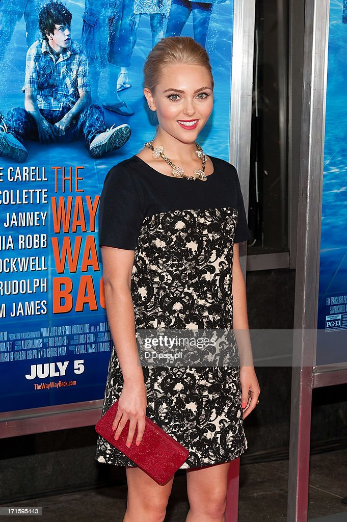<a gi-track='captionPersonalityLinkClicked' href=/galleries/search?phrase=AnnaSophia+Robb&family=editorial&specificpeople=674007 ng-click='$event.stopPropagation()'>AnnaSophia Robb</a> attends 'The Way, Way Back' premiere at AMC Loews Lincoln Square on June 26, 2013 in New York City.