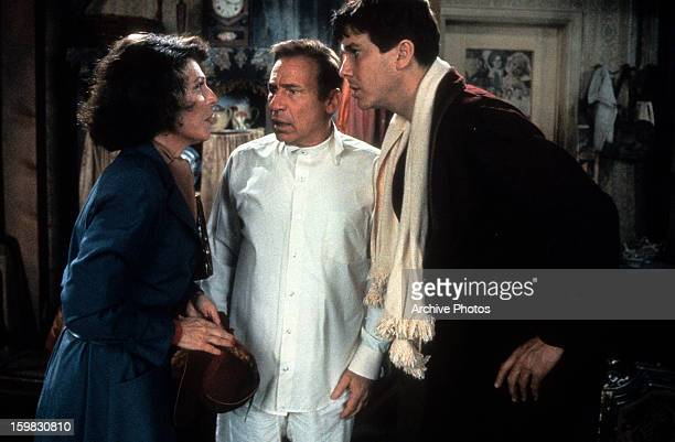Anne Bancroft talks to Mel Brooks and Tim Matheson in a scene from the film 'To Be Or Not To Be' 1983