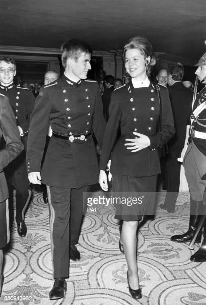Anne Chopinet major de sa promotion à l'entrée à Polytechnique au bal de la célèbre école le 13 novembre 1972 à Paris France