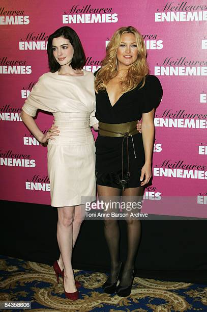 Anne Hathaway and Kate Hudson attend the 'Bride Wars' photocall at the George V Hotel on January 19 2009 in Paris France