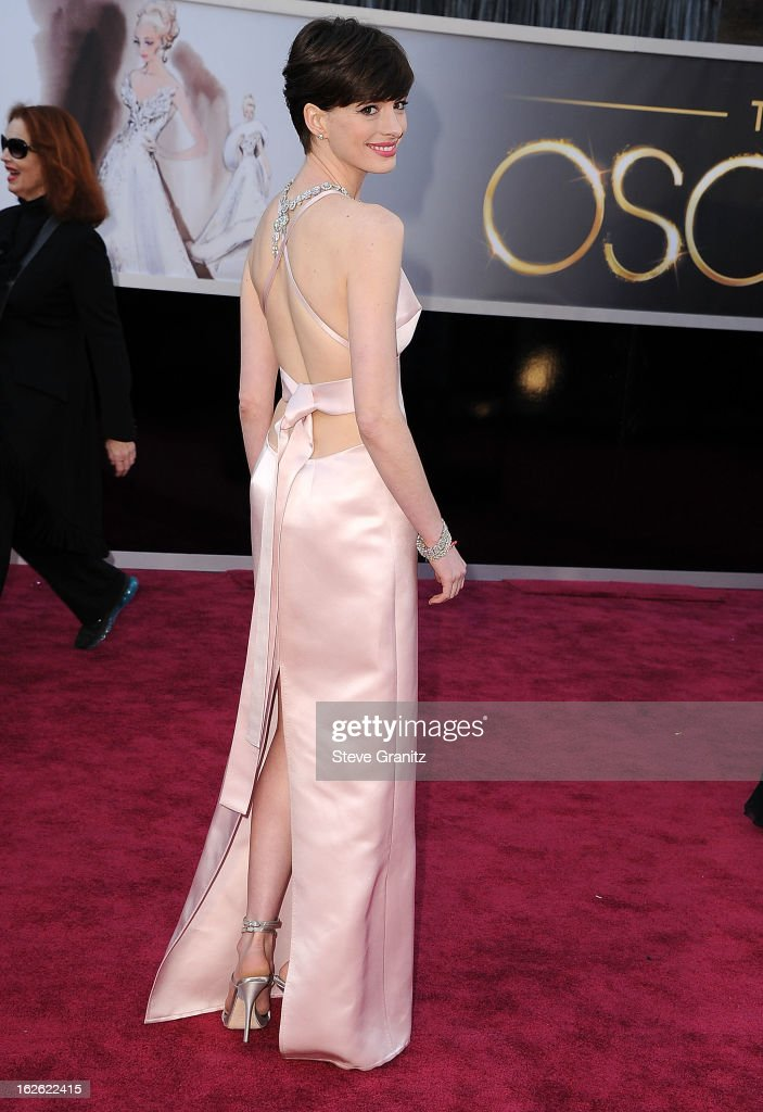 Anne Hathaway arrives at the 85th Annual Academy Awards at Dolby Theatre on February 24 2013 in Hollywood California