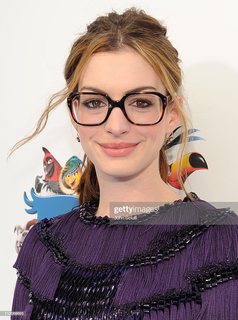 Anne Hathaway arrives for the premiere of Twentieth Century Fox & Blue Sky Studios' 'RIO' on April 10, 2011 in Hollywood, California.