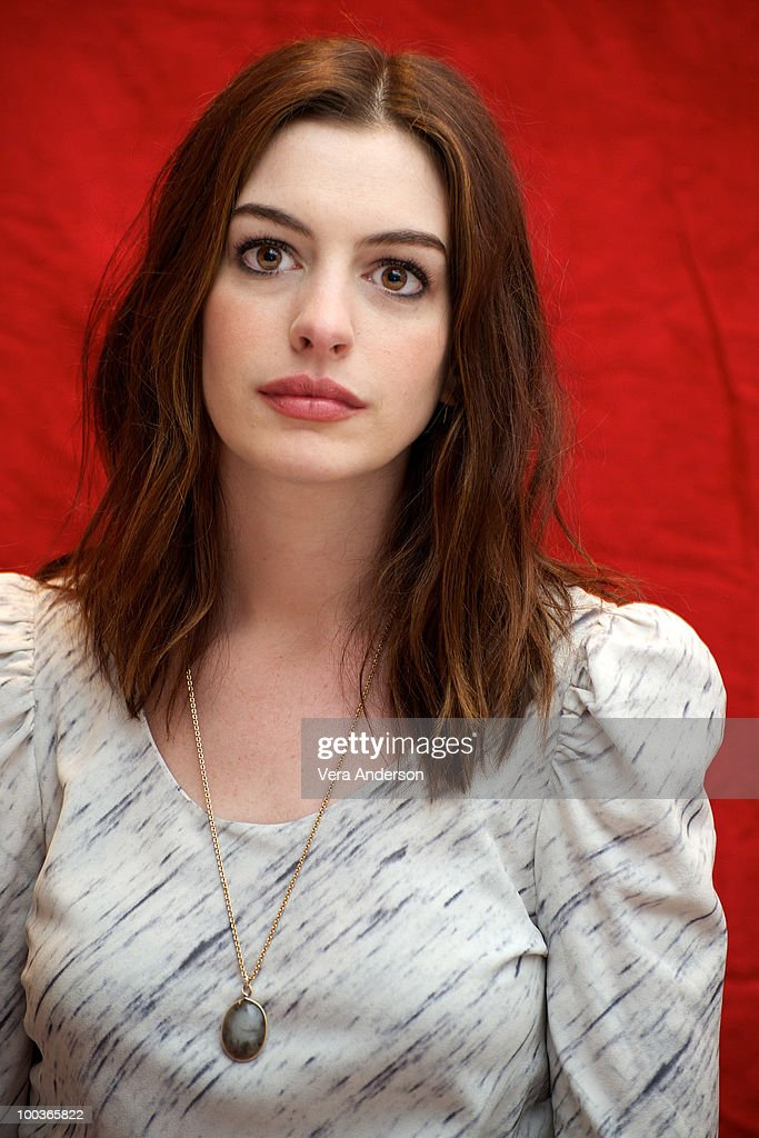 Anne Hathaway at the 'Alice In Wonderland' press conference at the Renaissance Hollywood Hotel on February 20, 2010 in Hollywood, California.