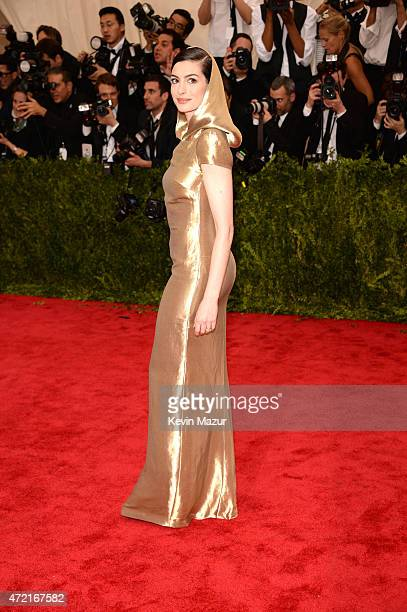 Anne Hathaway attends the 'China Through The Looking Glass' Costume Institute Benefit Gala at Metropolitan Museum of Art on May 4 2015 in New York...