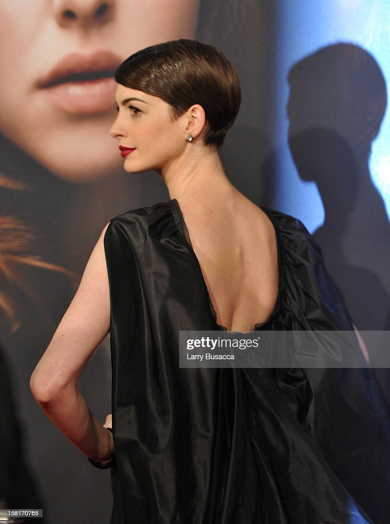 Anne Hathaway attends the 'Les Miserables' New York premiere at Ziegfeld Theatre on December 10, 2012 in New York City.